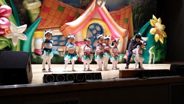 выступление деток другие группы нашего садика.