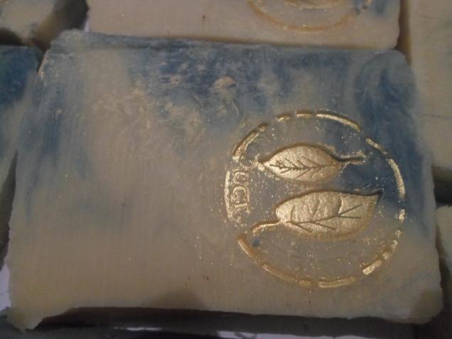 Три партии натурального мыла с нуля, изготовленного холодным способом вчера.