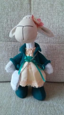 Очередная текстильная кукла Овечка