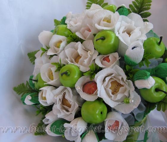 Конфетный букет на яблочную свадьбу