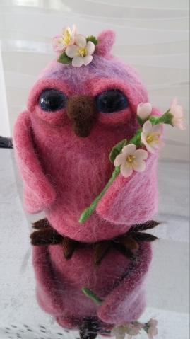 Маленькая розовая совушка.