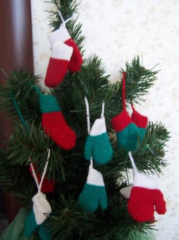 Новогодние украшения - варежки, носочки