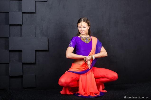 Индийский костюм для дочки.