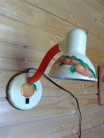 Бра из настольной лампы и банка