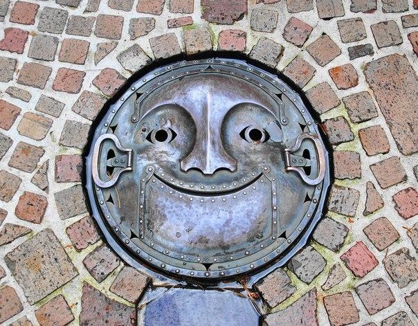 Творчество во всём! Красочные канализационные люки в Японии.