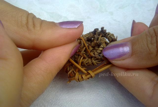 Плетение сосновыми иголками видео