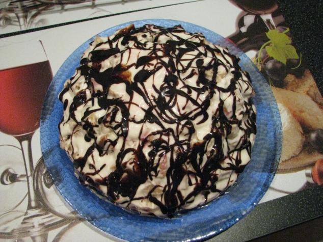 Торт Кучерявый пинчер с вишней в мультиварке