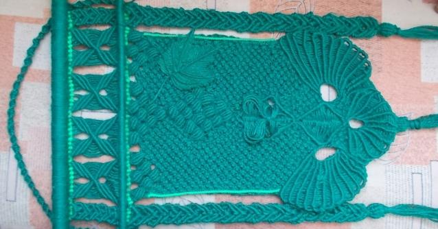 Зелёное макраме-панно