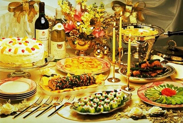 Рецептов не будет,прошу всех к Новогоднему столу