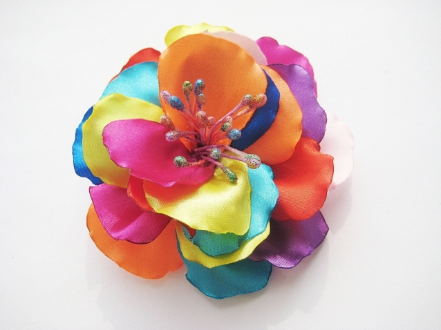 Радужный цветок. Заколка своими руками