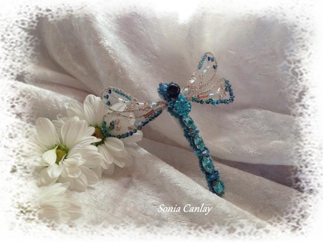 Голубая стрекоза (брошь)
