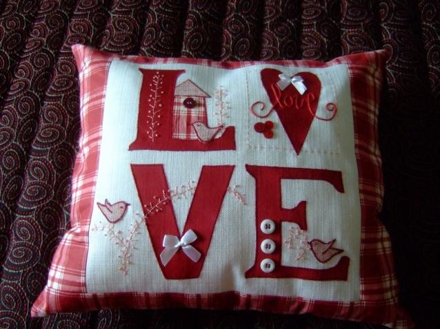 Подушка ко Дню всех сердец