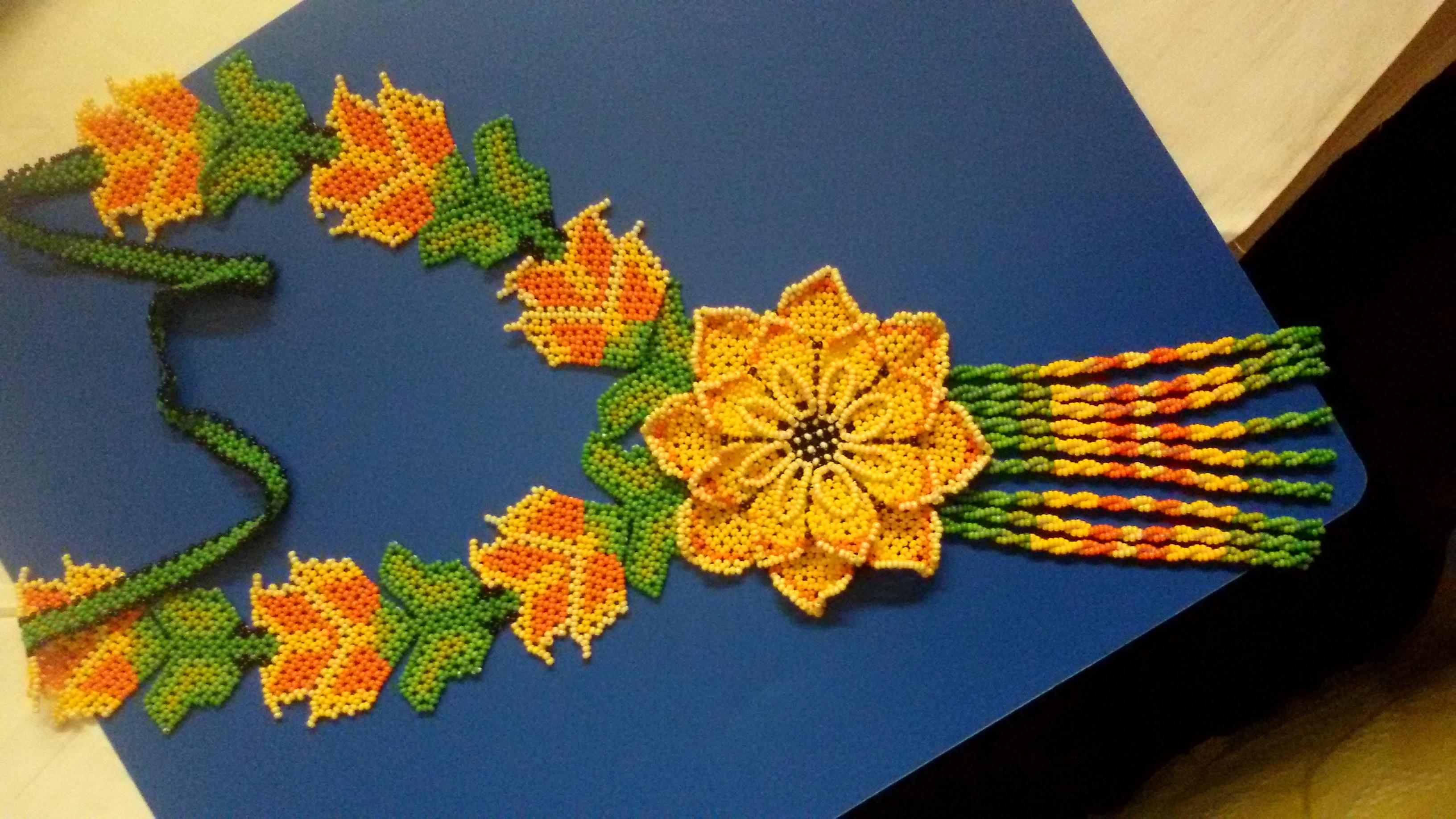 Уичольские цветы из бисера