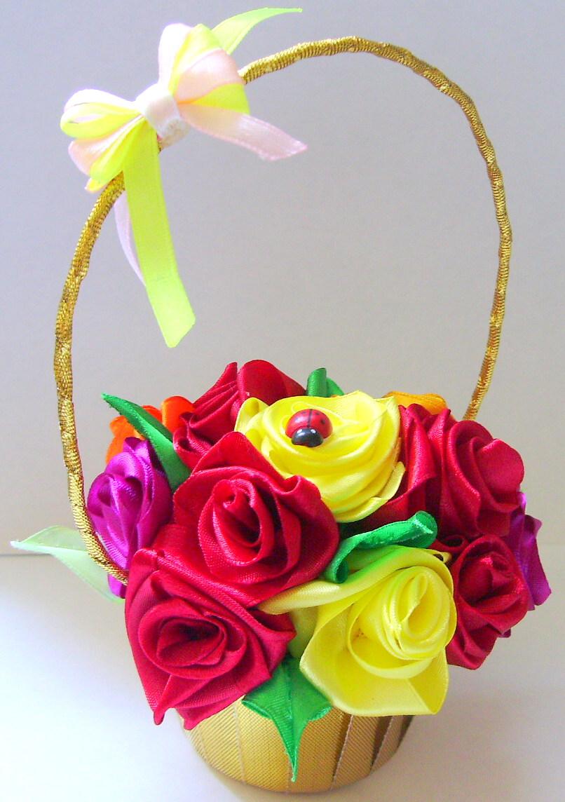 Цветы в вазу из атласной ленты своими руками