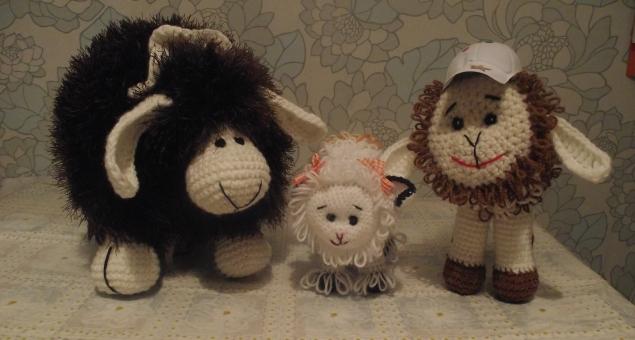 однако овцы не перечили ему –  отара блеяла, ну, как одна овца, что нет умней барана-мудреца.