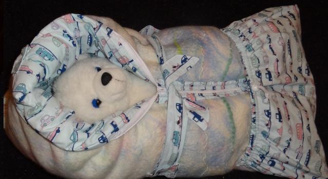 Одеяло-конверт для новорожденного. Вторая попытка. И ещё подушка для мамы и малыша.