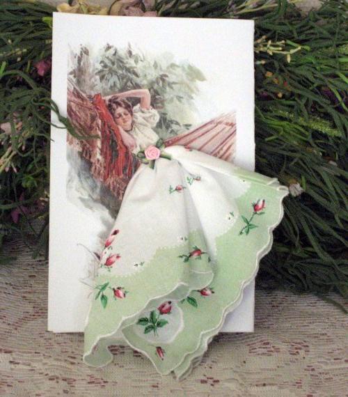 Винтажная открытка из носового платка
