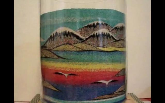 Делаем картину в стеклянной вазе.