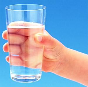 Сколько весит стакан воды?