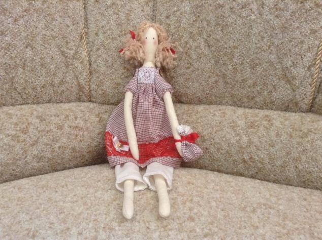 Кукла Тильда... первый опыт...