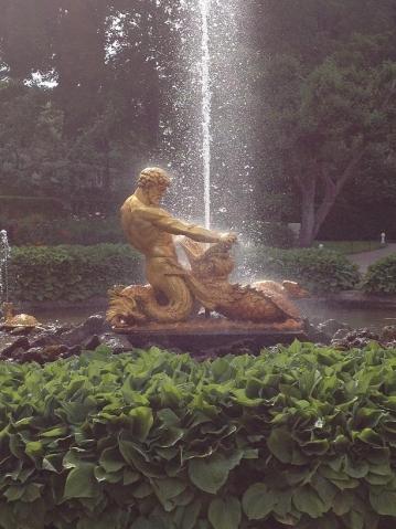 Итак, ПЕТЕРГОФ, который говорят красивее Версаля...........