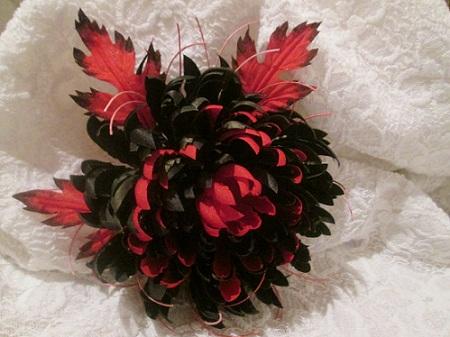 Роза из перьев своими руками