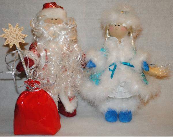 У кого-то Санта Клаус, а у нас Дед Мороз и Снегурочка!