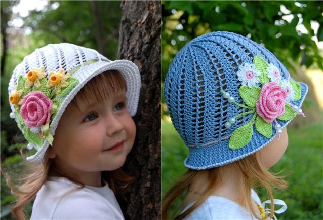 На весну-лето можно связать для маленьких модниц вот такие замечательные шляпки-панамки. Яркие и цветочные, они станут красивым дополнением к любому наряду