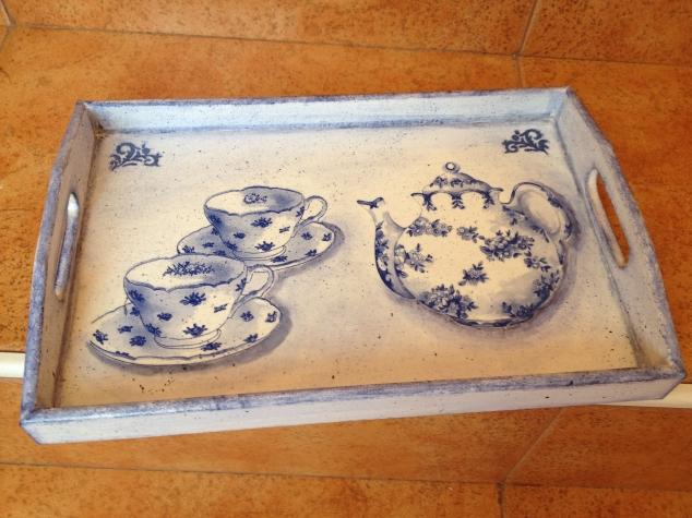 Бело-голубое чаепитие.
