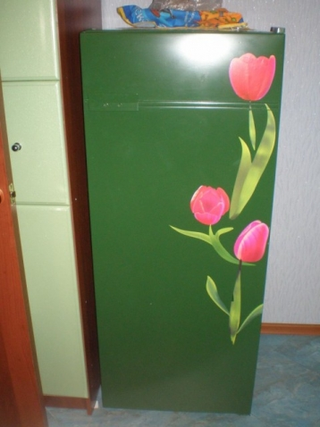 Преображаем скучный холодильник.