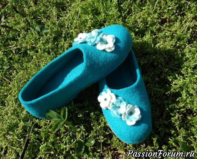"""""""Весны цветение"""", мокрое валяние, обувь для дома, тапочки валяные, тапочки ручной работы, сваляно из кардачеса, сделано с душой, ручная работа, весны цветение"""