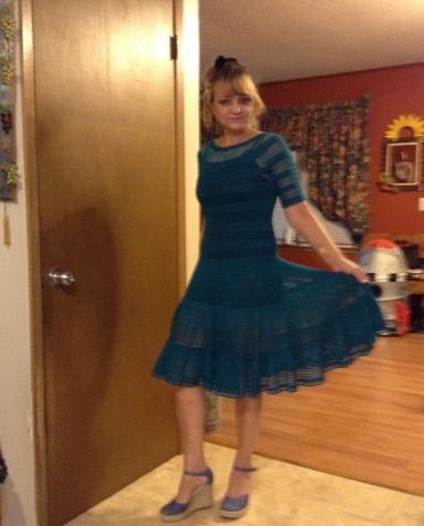 Платье крючком.Очень просто -но элегантно.