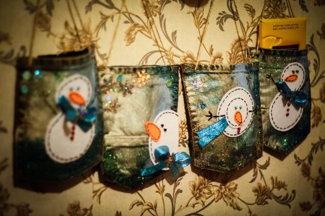 Кармашки со снеговиками для подарков