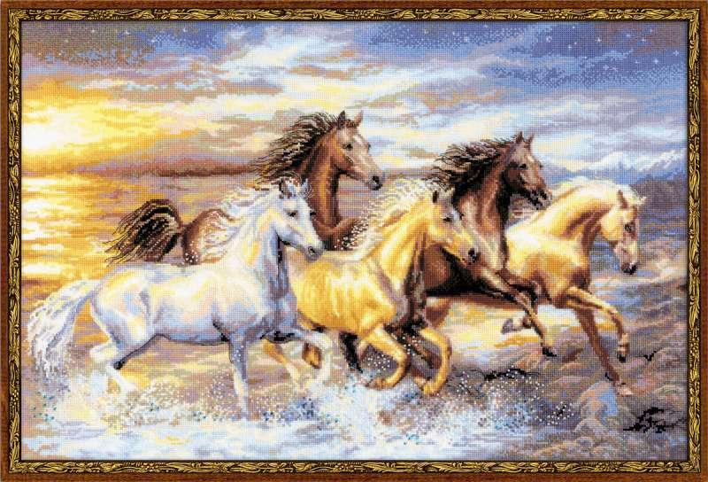 Вышивка лошади в закате