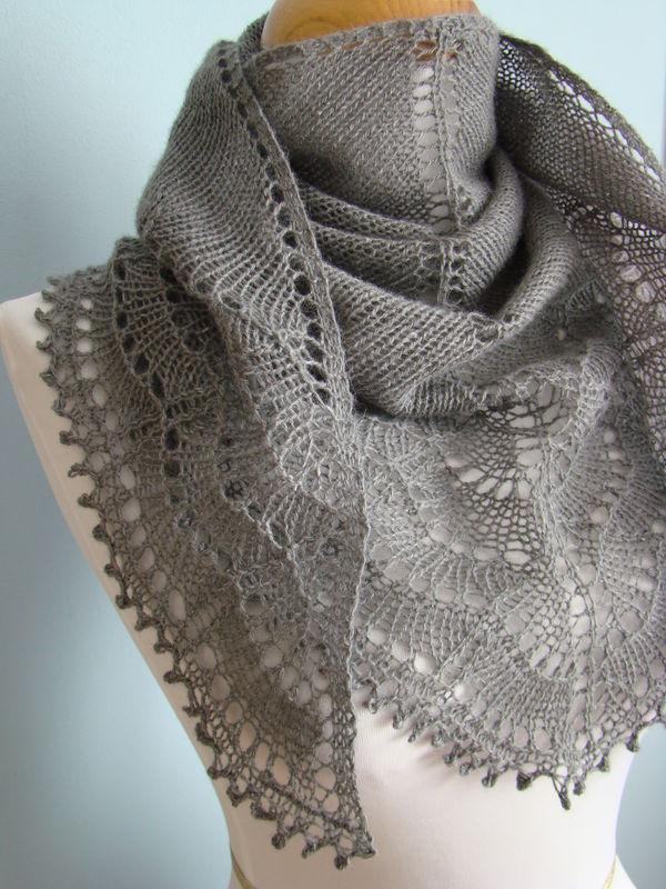 Пошаговое вязание шали спицами для начинающих