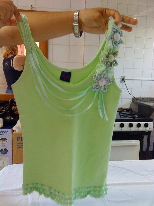 Украшение на платье из лент