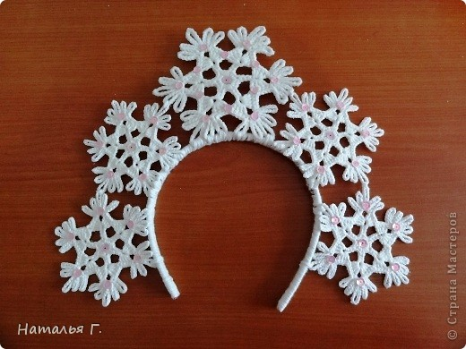 На голову снежинки своими руками