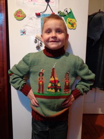 Вязаный свитер - располагаю на вязание спицами т к нет машинного вязания