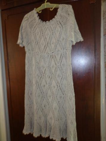 Летнее платье изо льна крючком.