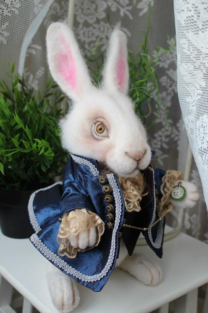 Выкройка кролик из алисы в стране чудес