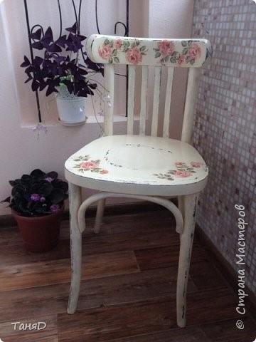 Венский стул отдохнул в деревни с  шебби-шиком