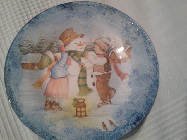 А вот тарелочки новогодние (декупаж)