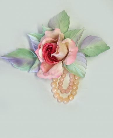 Брошь-роза  Сон в  розовом саду