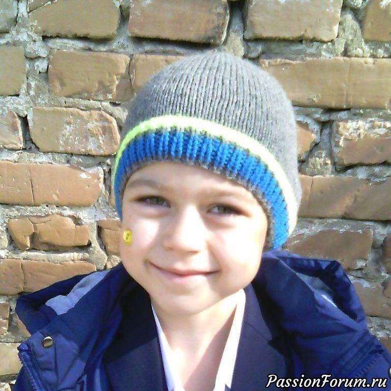 Утепляю сыночка, шапка и пуловер спицами, свитер со жгутами