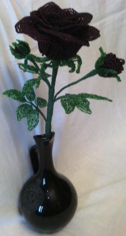 Роза бордовая из бисера