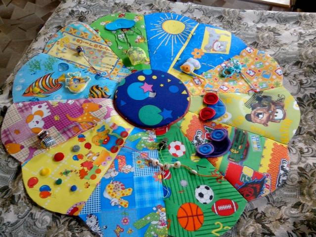 Развивающийся коврик складной для малыша