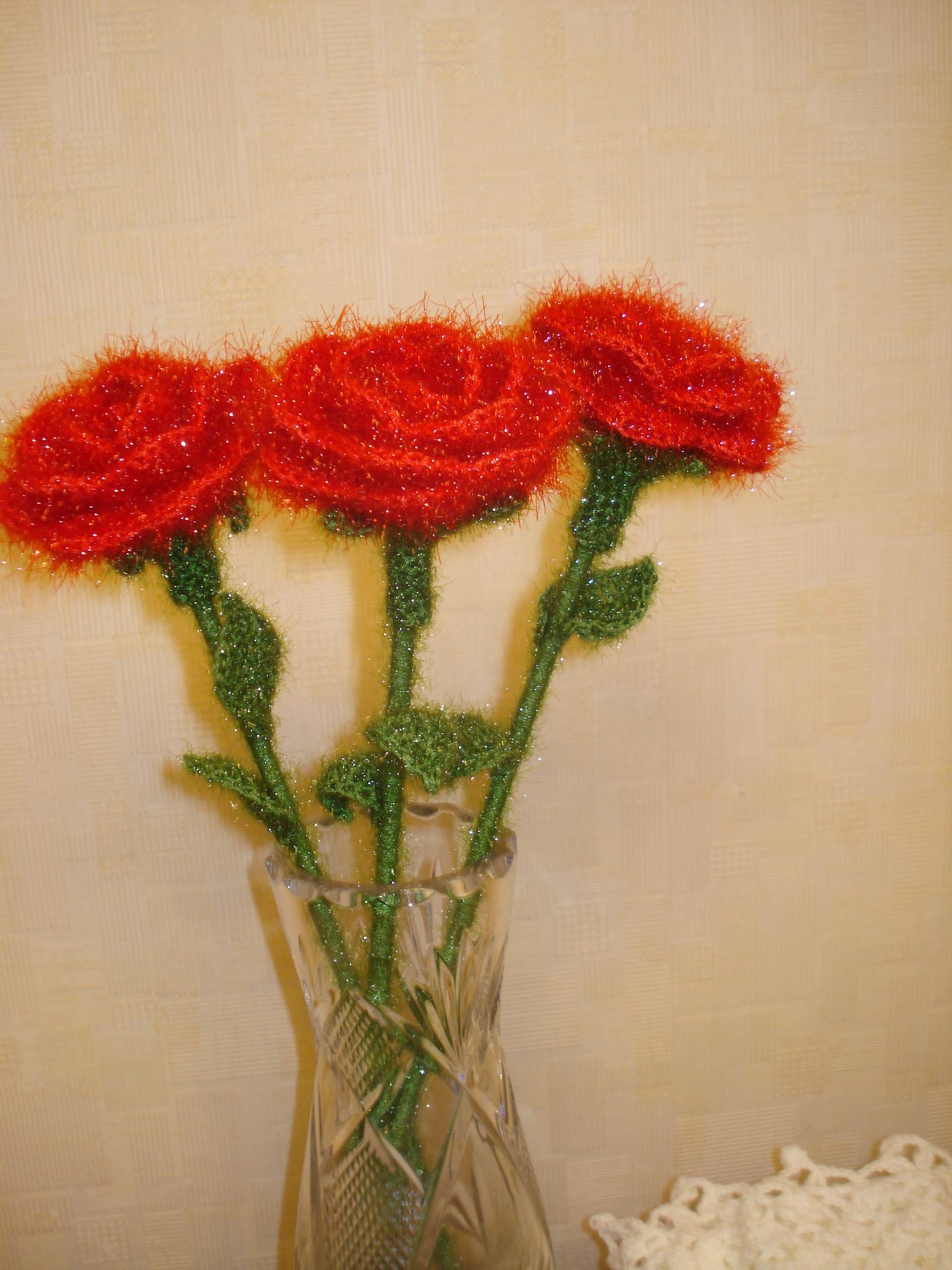 связать стебель для розу в вазу крючком схема