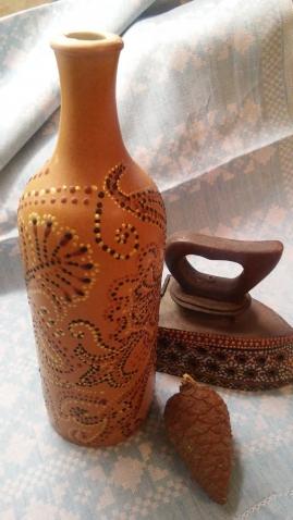 вазочки и  глиняная бутылочка...