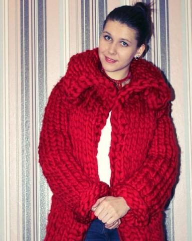 Эту крутую и модную вещицу связала моя мама для моей подруги