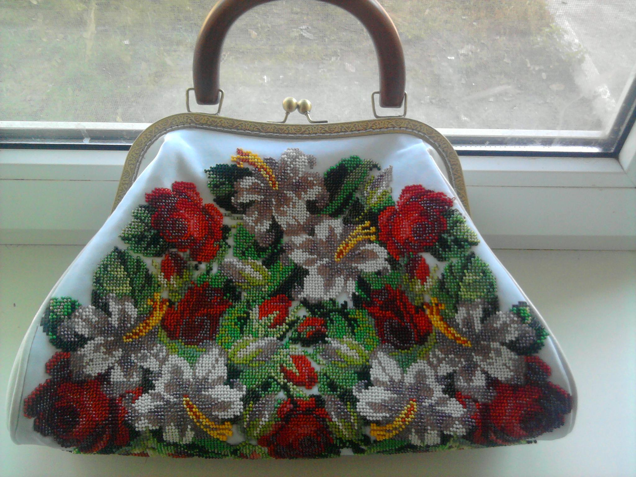 Вышиваем бисером своими руками сумку